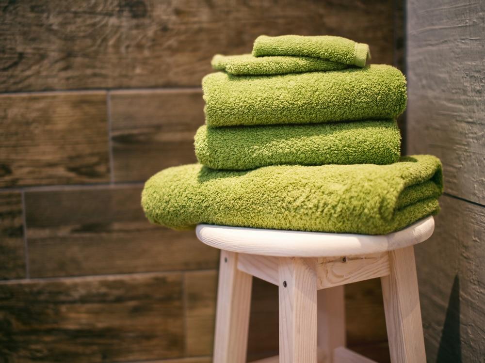 06-asciugamani-sgabello