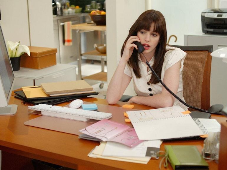 Anne Hathaway telefono