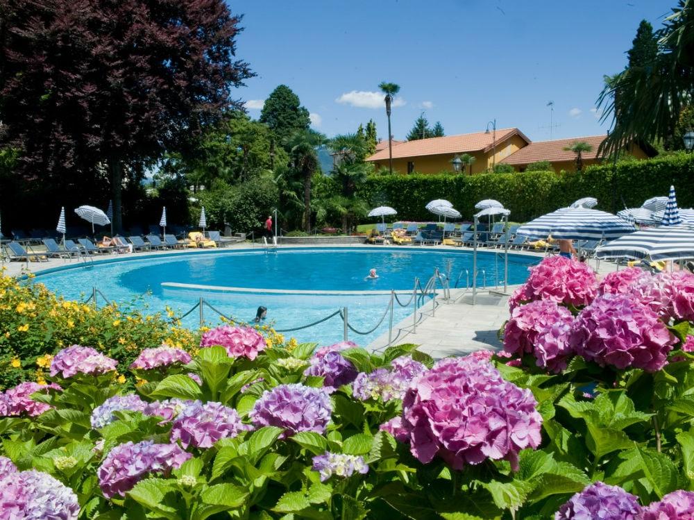 Piscina_Scoperta_Outside_Swimmingpool1000