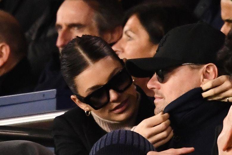 La fidanzata di Leonardo DiCaprio ha la metà dei suoi anni (e lo commenta con una foto)
