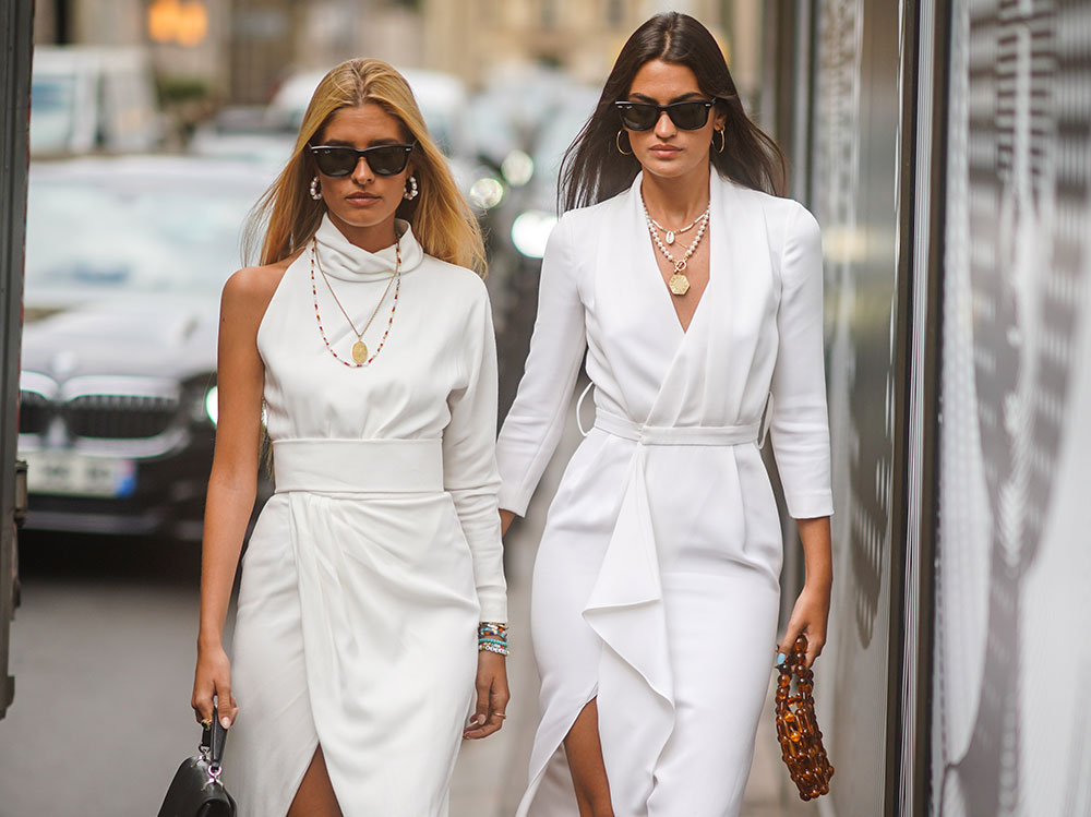 look-total-white-EVI
