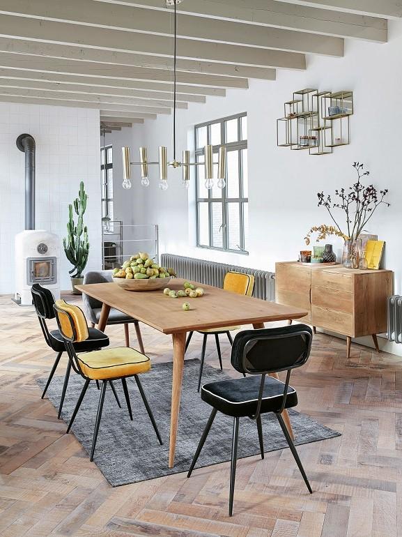 sedia-in-velluto-giallo-e-metallo-nero-maison