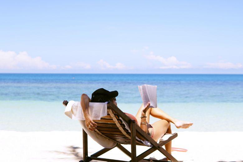 10 nuovi libri da leggere sotto l'ombrellone
