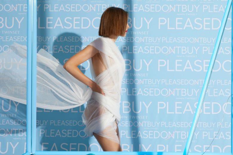 PLEASEDONTBUY di Twinset: il primo sharing di moda monobrand