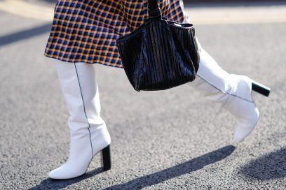 Pazze anche voi per gli stivali bianchi? Abbinateli così!