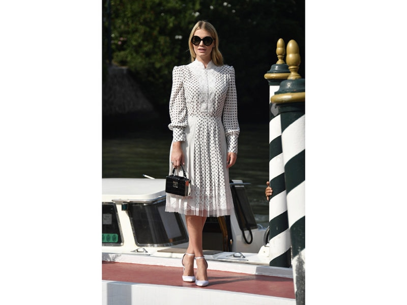 kitty-spencer-in-ermanno-scervino-daylook