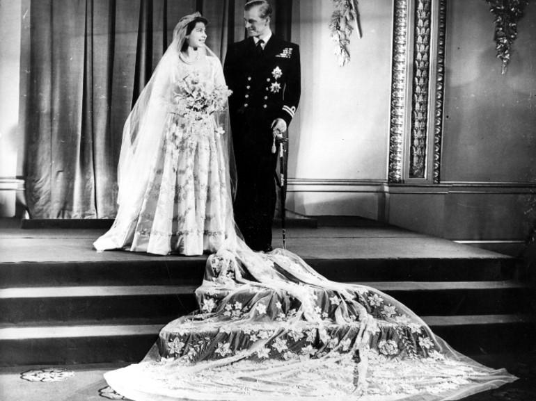 regina elisabetta abito sposa
