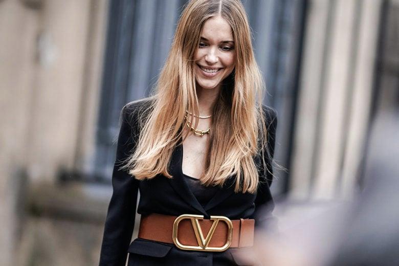"""La cintura con maxi logo è il """"nuovo-vecchio"""" trend dell'autunno"""