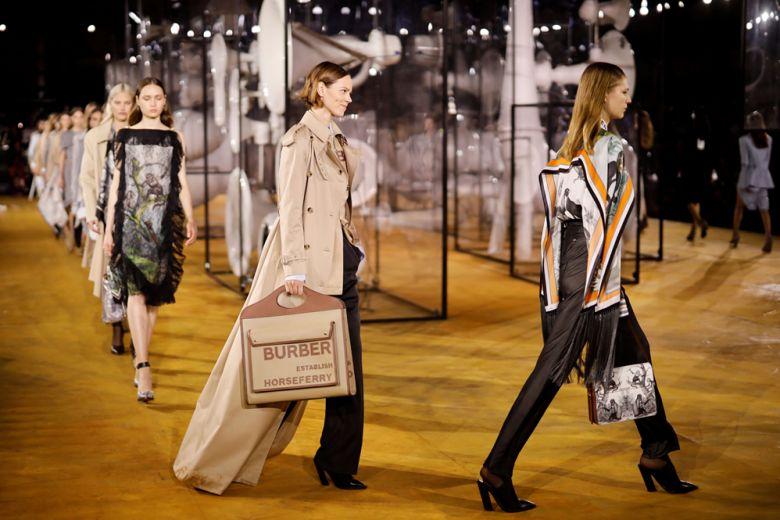 Burberry: la collezione primavera-estate 2020 unisce passato e futuro