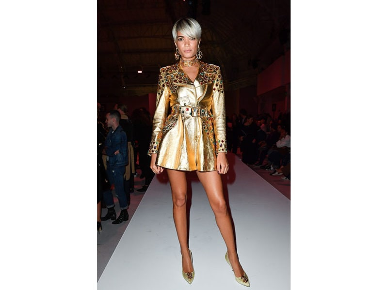 _Elodie-attends-the-Moschino-fashion-