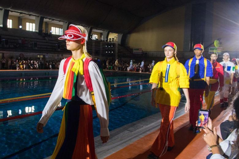 #BenettonFashionShow: la MFW parte con un tuffo in piscina