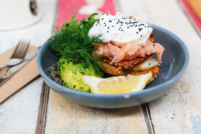 5 buoni motivi per mangiare il salmone (anche a colazione se vi va)