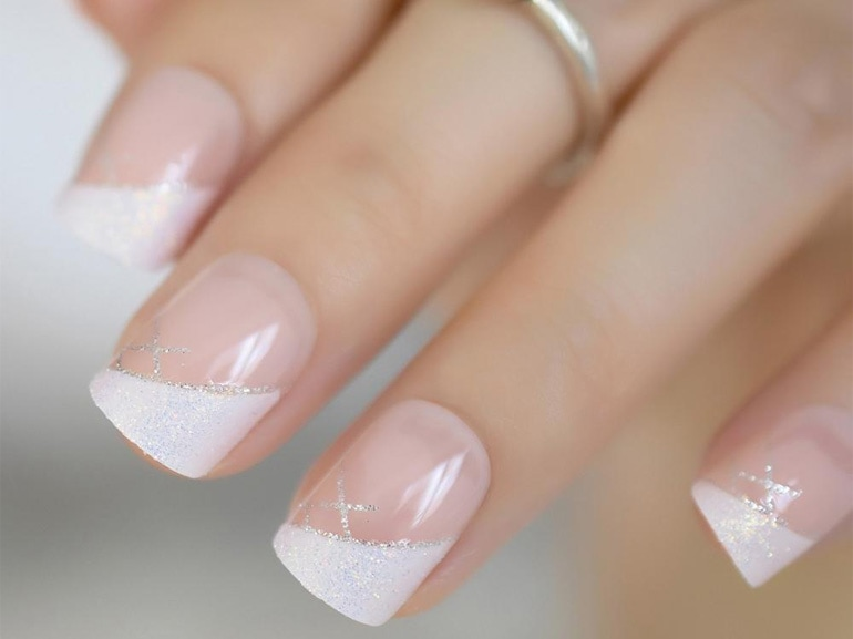 side-french-manicure-nail-art-autunno-inverno-2019-2020-cover-mobile-01