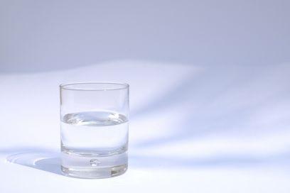 Dieta dell'acqua giapponese: le regole della dieta anti ritenzione