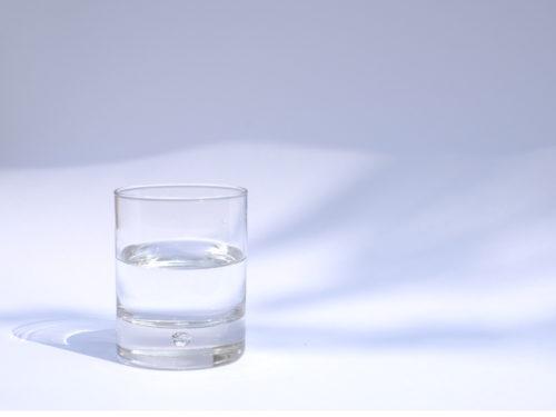 è possibile perdere peso bevendo solo acqua