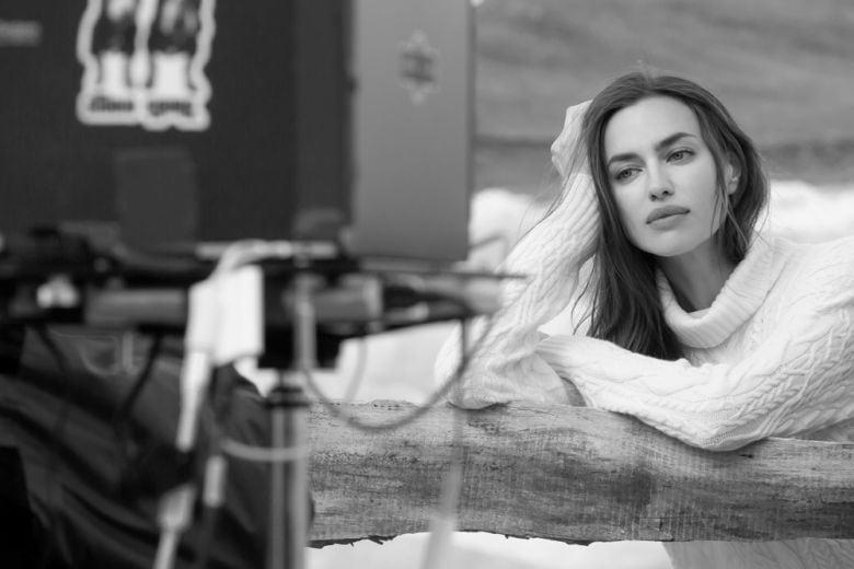 """Irina Shayk, """"regina delle nevi"""" nella nuova campagna di Falconeri"""
