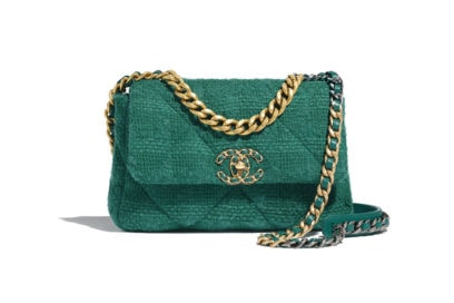 01_AS1160-B01646-BE325–The-CHANEL-19-bag-in-green-quilted-tweed_LD