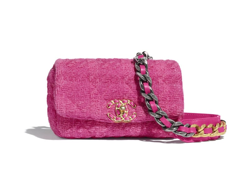 06_AS1163-B01661-BE326–The-CHANEL-19-waist-bag-in-pink-tweed_LD