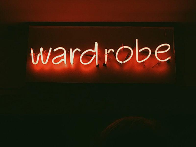 09-wardrobe