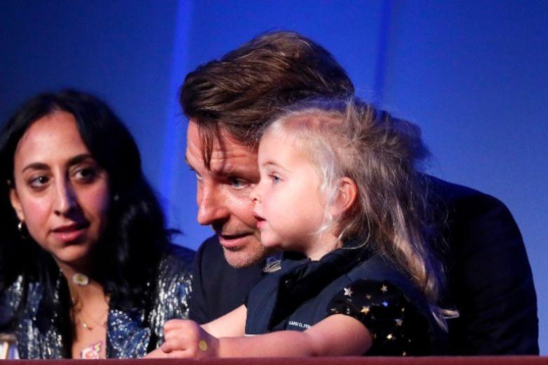 Bradley Cooper presenta al pubblico la figlia avuta da Irina Shayk: ecco le foto