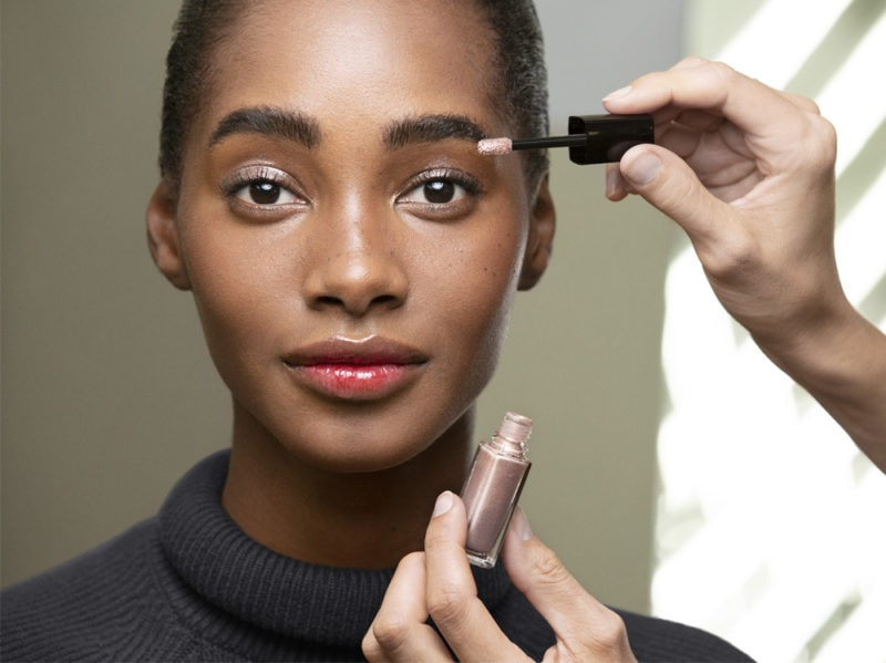 chanel-make-up-beauty-look-sfilata-primavera-estate-2020-01