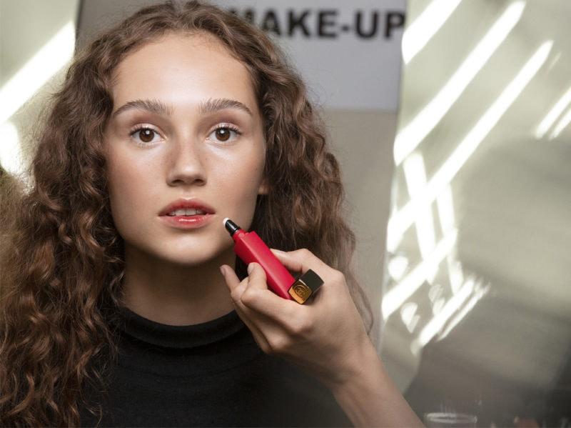 chanel-make-up-beauty-look-sfilata-primavera-estate-2020-09