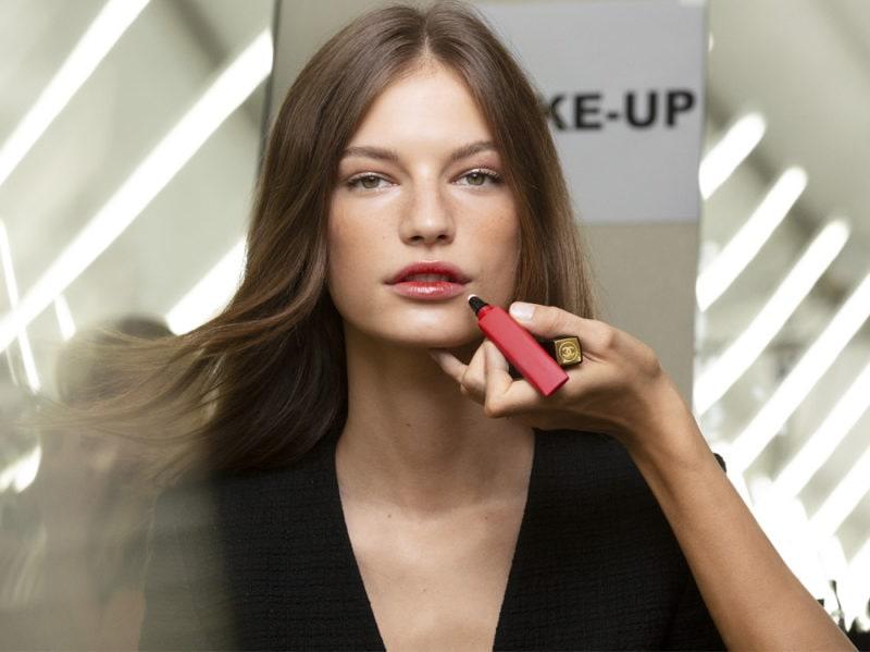 chanel-make-up-beauty-look-sfilata-primavera-estate-2020-13