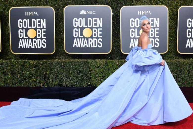 Il misterioso caso del vestito di Lady Gaga messo all'asta dalla governante