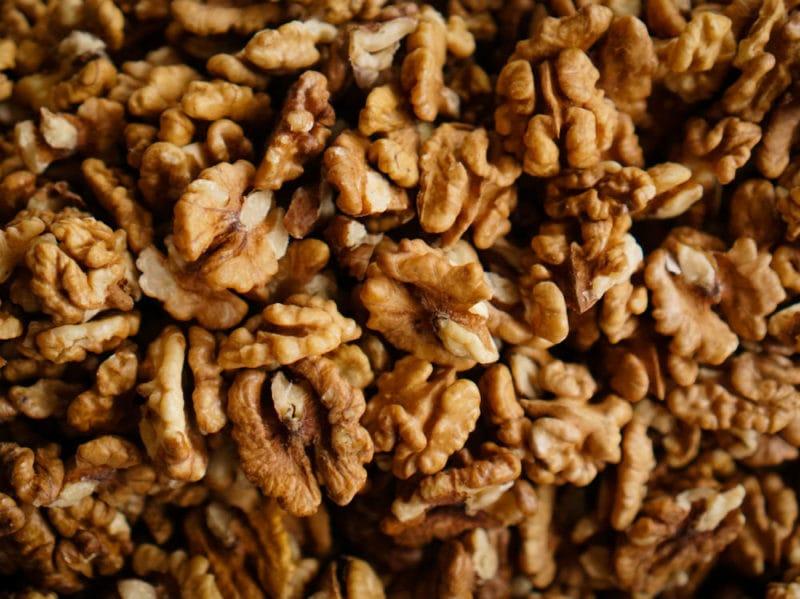 Cosa mangiare per combattere il malumore quando si accorciano le giornate