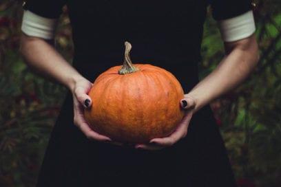 Unghie per Halloween: le nail art più spaventose (con un tocco glam)