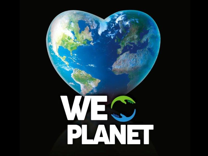 weplanet milano 2020 globi di artista installazione MOBILE