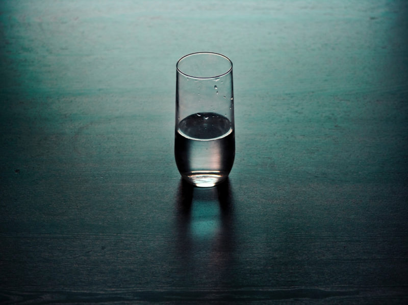 01-bicchiere-acqua-collagene