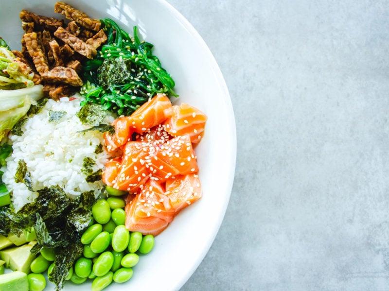 08-piatto-salmone-insalata