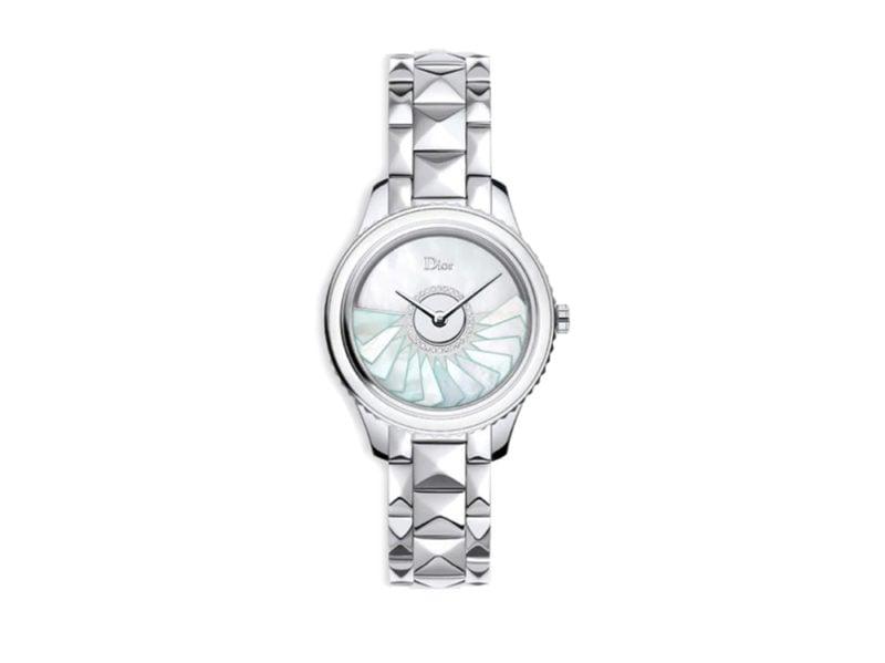 Dior-grand-bal-plissé-cassa-in-acciaio-inossidabile-e-quadrante-ornata-in-madreperla-bianca