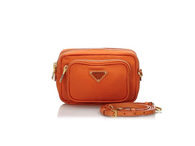 Prada-90's-Nylon-Bag-(Vestiaire)