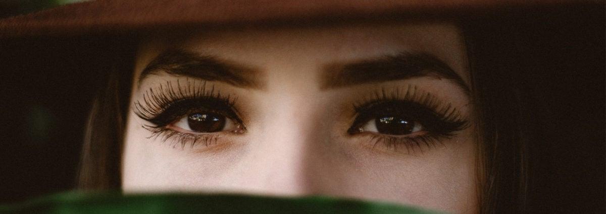 Ciglia finte magnetiche: come funzionano, come si applicano e che effetto hanno sugli occhi
