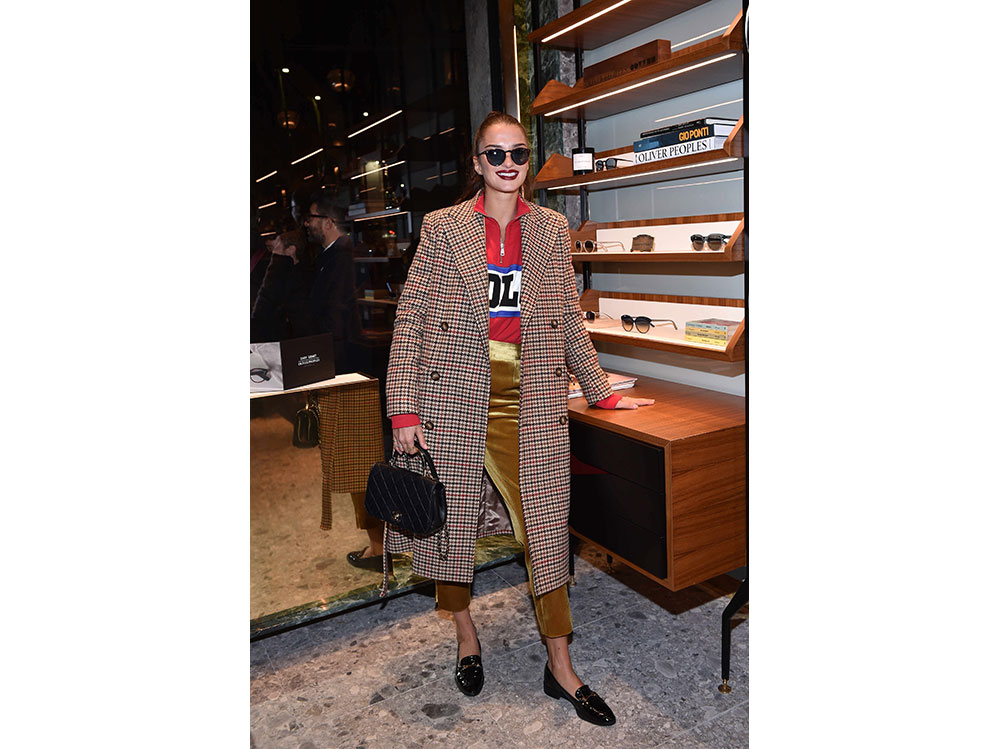 gabrielle-caunesil-da-Oliver-Peoples-press-office