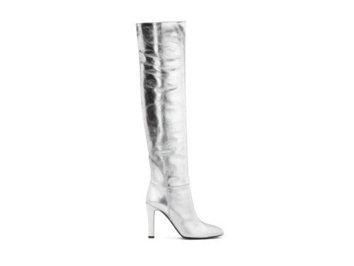 Dai vestiti alle scarpe: l'argento è il colore moda dell