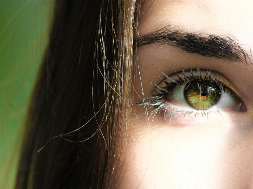 selective-focus-half-face-closeup-photography-of-female-s-840810