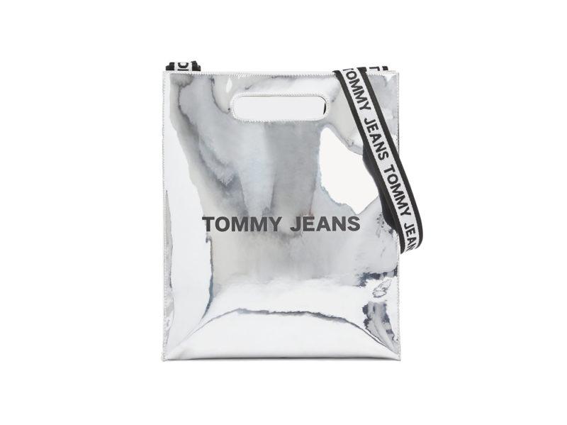tommy-jeans-sul-sito-borsa-tote-tj-item-argentata
