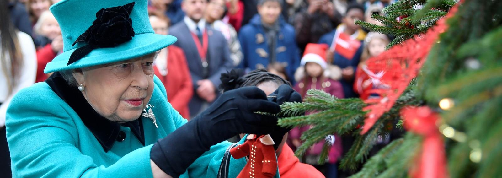 visore-tradizioni-natalizie-royal-familyDESK
