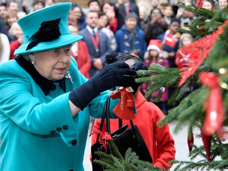 visore-tradizioni-natalizie-royal-familyMOBI