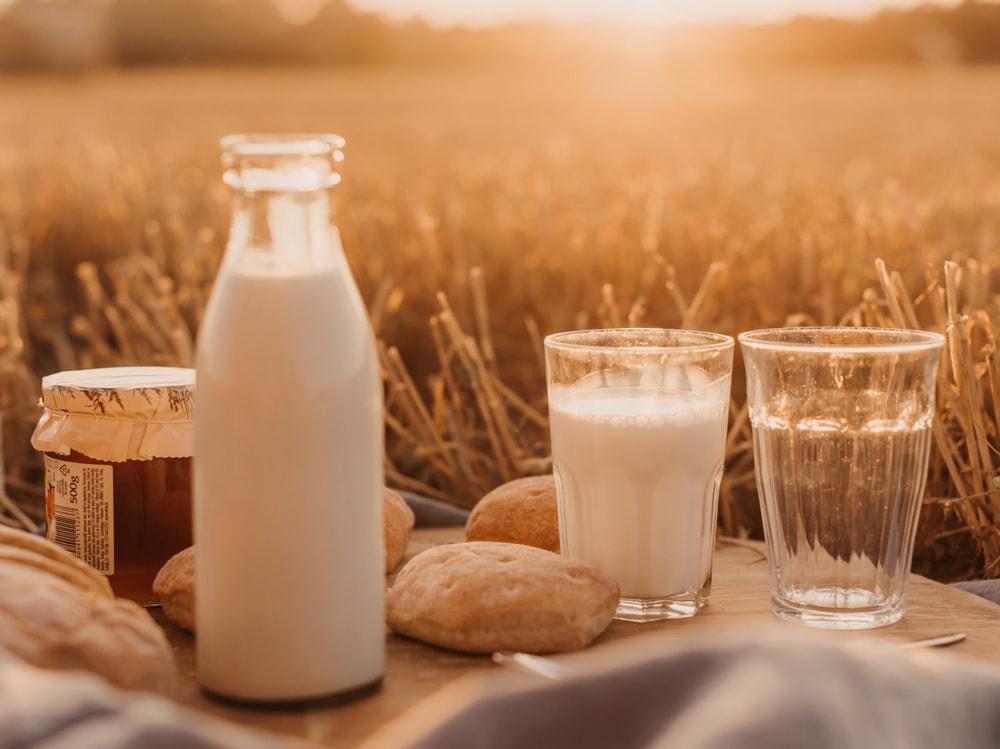 03-latte-campo-grano