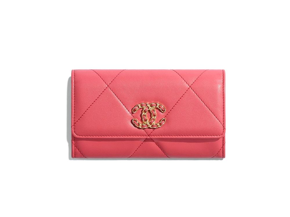 chanel-19-flap-wallet-pink-lambskin-gold-tone-silver-tone-ruthenium-finish-metal-lambskin-gold-tone-silver-tone-ruthenium-finish-metal-packshot-default-ap0953b01901n5328-8821791981598