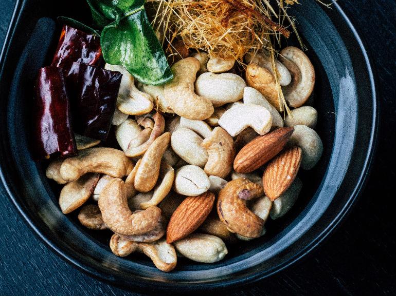 frutta secca noci mandorle