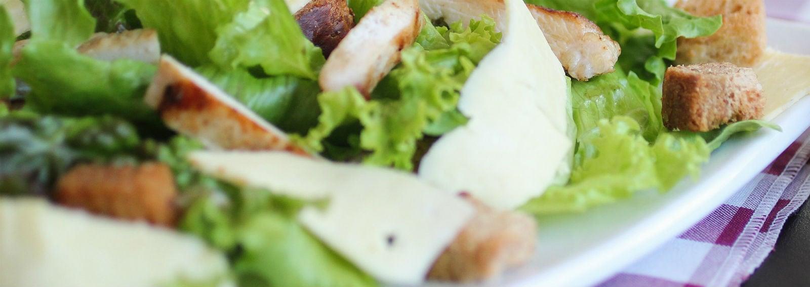 piatto insalata pollo