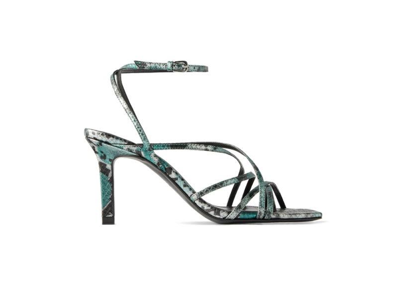 scarpe-primavera-estate-2020-sandali-pitonati-con-listini-zara