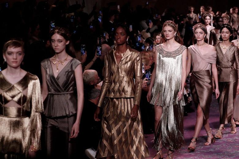 """10 trend """"wow!"""" che abbiamo visto alle ultime sfilate Haute Couture"""