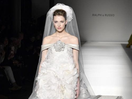 Abiti Da Sposa Valentino.Abiti Da Sposa Da Dior A Valentino I Modelli Dell Haute Couture 2020