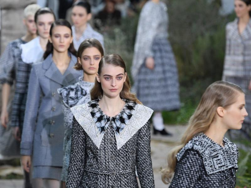 Chanel : Runway - Paris Fashion Week - Haute Couture Spring/Summer 2020